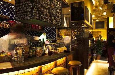 12/10(月)17:00 OPEN! 中目黒「港町バル」。産直食材を多彩なスタイルで。