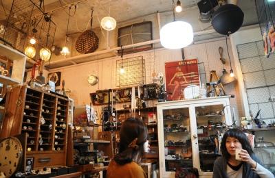 個性全開のアーティスト&作品との出会いもある古雑貨店「gaku」。ワークショップ多数開催予定。