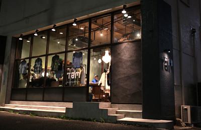 Select Clothing Shop「Tam」は「着れる服」を幅広く絶妙ラインナップ。「いいの?」なサービスにも注目。