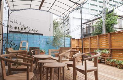 「SHARED TABLES」英語も学べる、美味しいランチと素敵なコミュニティのある新感覚カフェはネタの宝庫。